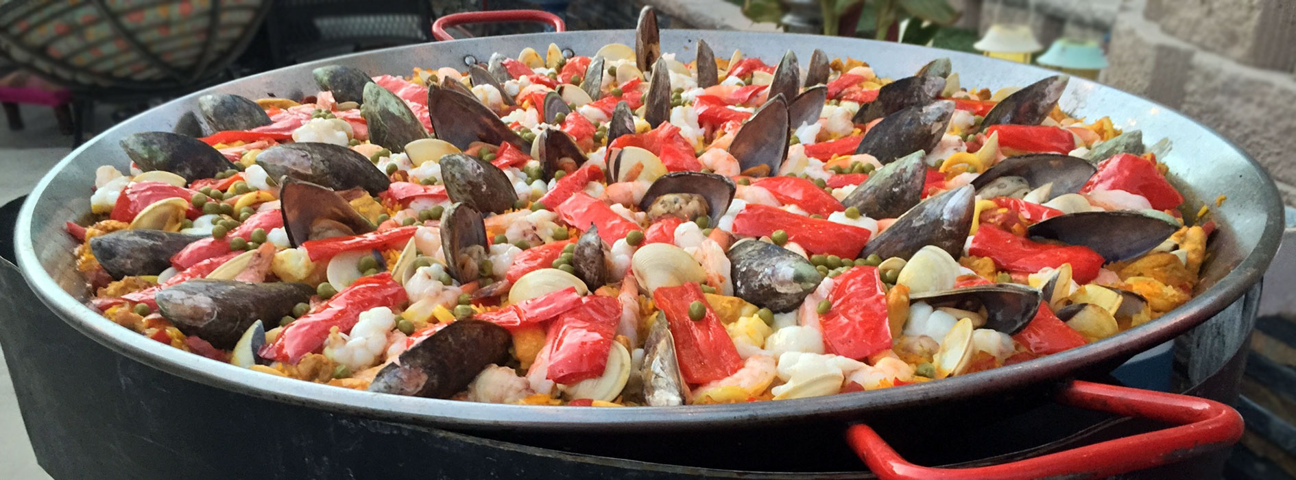 Paella Valenciana zoomed image for our Paella catering in southern california